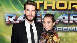 Miley Cyrus dan Liam Hemsworth Mesra di Premier Thor: Ragnarok