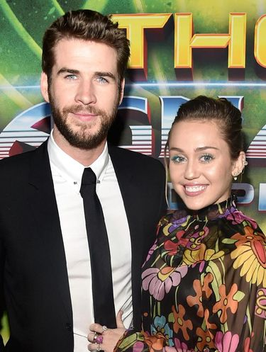 Liam Hemsworth bersama tunangannya, Miley Cyrus.