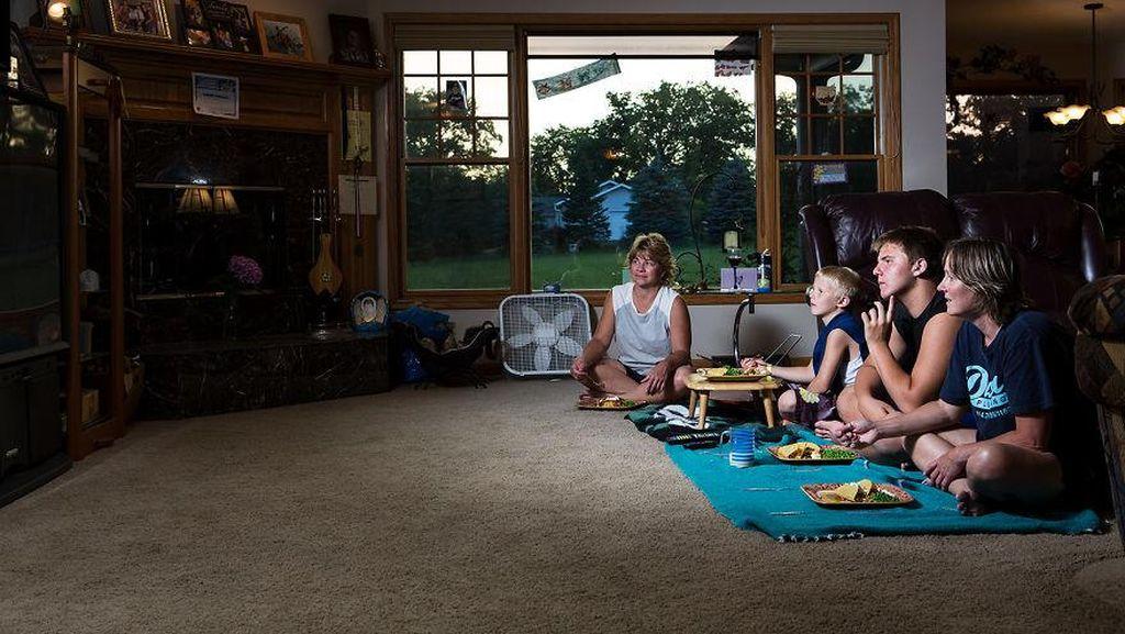 Fotografer Ini Tampilkan Cara Makan Orang Amerika, Seperti Apa Ya?