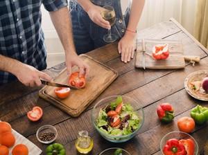 Sweet! Saat Suami Siapkan Stok Makanan untuk Istri Selama Setahun