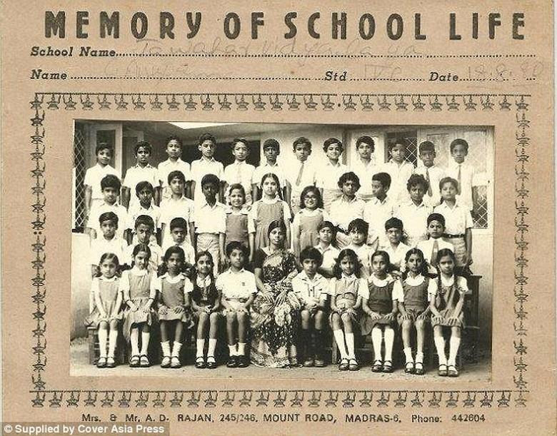 Sundar Pichai saat di sekolah dasar, ia ada di posisi paling atas nomor empat dari kiri. Dia dilahirkan di selatan kota Chennai, India, pada 44 tahun yang lalu.Foto: istimewa