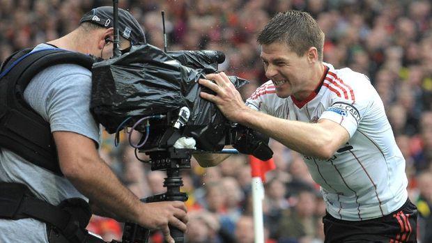 Legenda MU: Pogba Mirip Gerrard