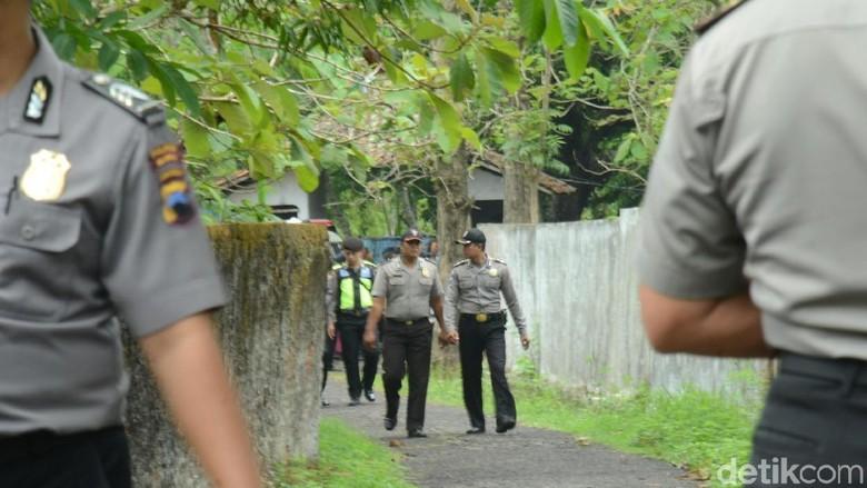 Pelaku Penembakan Personel Brimob,Bripka Bambang di Mata Keluarga