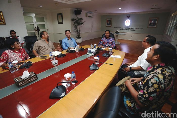 Menteri Pemuda dan Olahraga, Imam Nahrawi bertemu dengan Indonesia Olympians Association (IOA), di kantor Kemenpora Jakarta, Rabu (11/10/2017).