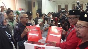 Dengan Semarak Pawai, PDIP Daftarkan Diri Jadi Peserta Pemilu 2019