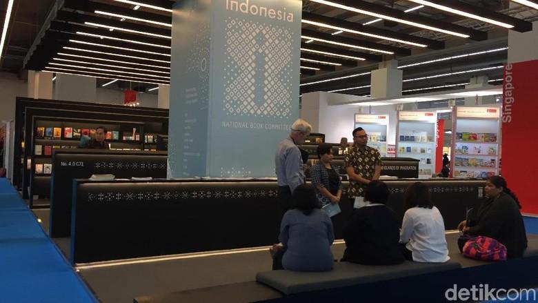 Yuk Mampir ke Stan Indonesia di FBF 2017, Ada Bubur Manado hingga Kolak Pisang Foto: Ken Yunita/ detikHOT