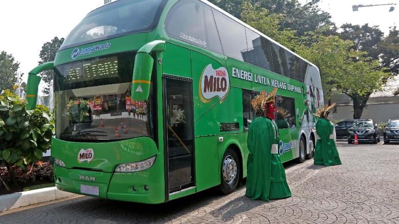 TransJakarta Terima Hibah Bus Tingkat Pariwisata