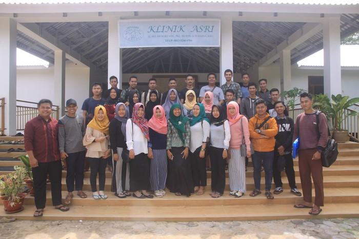 Berlokasi di Taman Nasional Gunung Palung, Sukadana, Kalimantan Barat, Klinik Alam Sehat Lestari (ASRI) didirikan untuk memenuhi kebutuhan layanan kesehatan masyarakat setempat sekaligus mendorong usaha pelestarian alam. (Foto: Facebook/Alam Sehat Lestari)