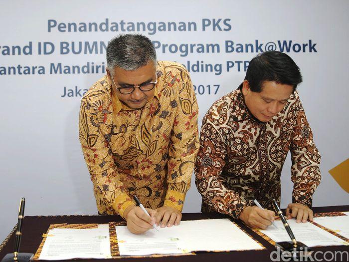 Bank Mandiri bekerja sama dengan PTPN III untuk memberikan pelayanan perbankan yang lebih baik.