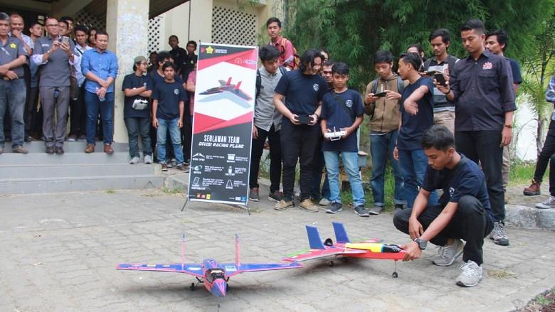 Unsyiah Luncurkan 2 Robot Terbang, Bisa untuk Deteksi Ladang Ganja