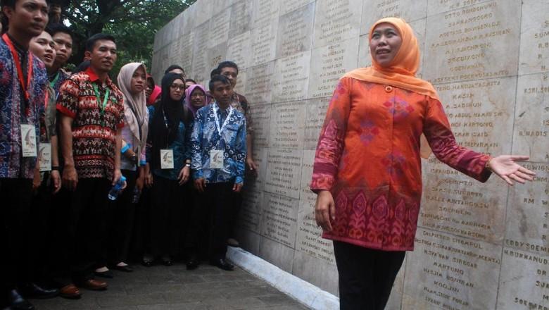 Mensos Khofifah Ajak Mahasiswa Hormati Jasa Pahlawan