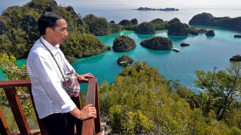 Foto: Jokowi di Raja Ampat (Biro Pers Setpres/Agus Suparto)
