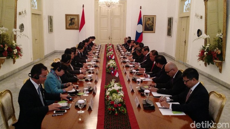 Karedok hingga Apple Cider Jadi Sajian Jokowi dan PM Laos