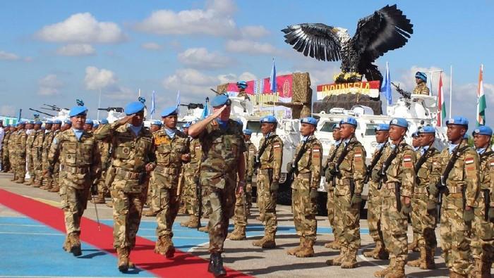 Berpartisipasi aktif menjaga perdamaian dunia di Lebanon, Prajurit Kontingen Garuda UNIFIL sukses menerima penghargaan dari PBB.