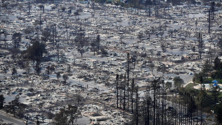 Foto: Ngeri! Penampakan Ribuan Rumah Ludes Dilalap Api di California
