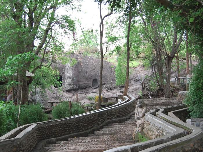 Gua Selomangleng Situs Purbakala Nan Eksotik Di Kaki Gunung Klotok