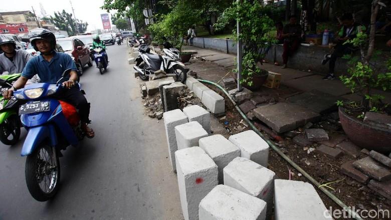 Pembangunan Trotoar Ramah Disabilitas di Jaktim Dikebut
