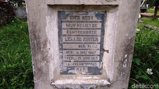 Makam De Ruiter tentara Afrika