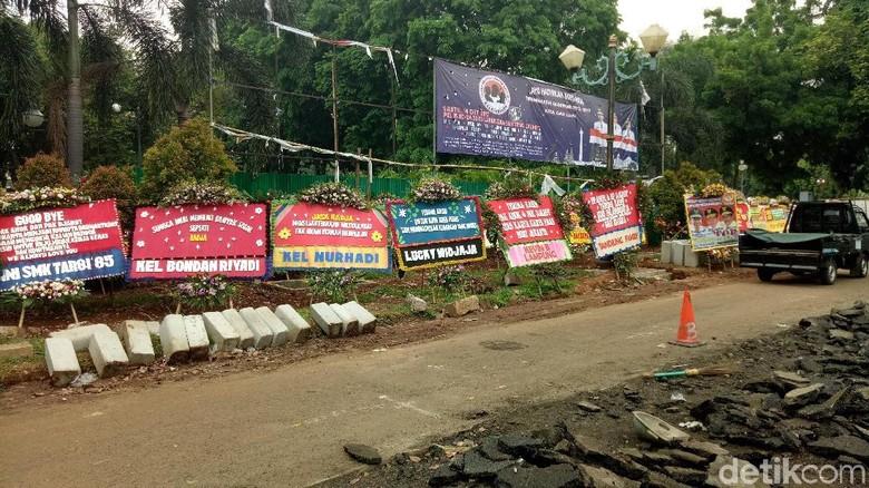 Karangan Bunga untuk Ahok-Djarot Dipindah ke Lapangan Banteng