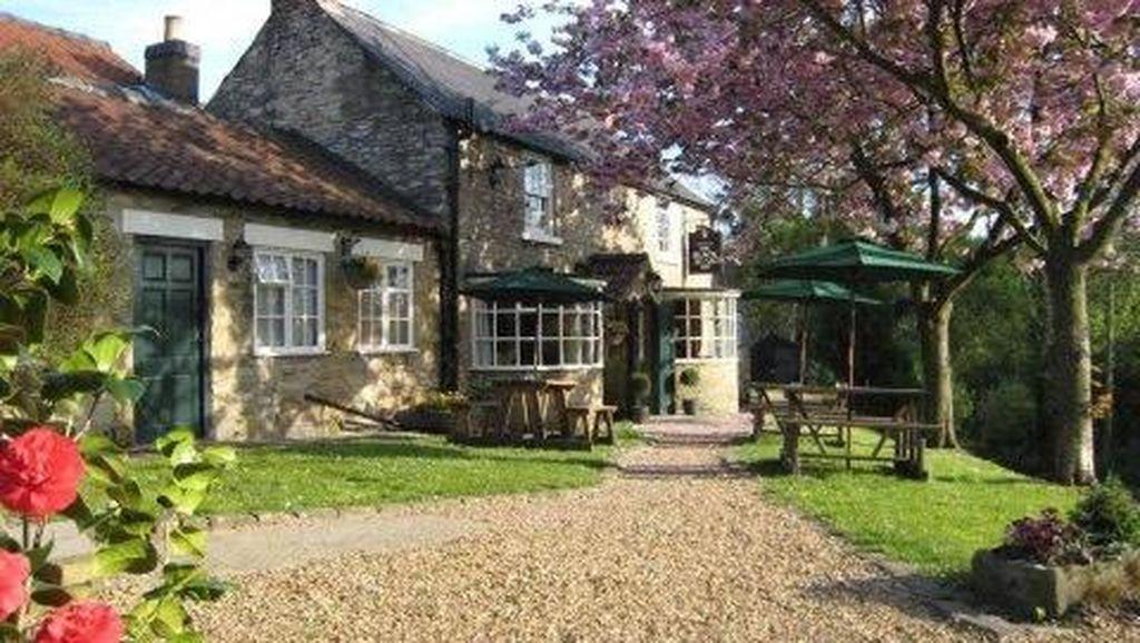 TripAdvisor Nobatkan The Black Swan di Inggris Sebagai Restoran Terbaik Dunia