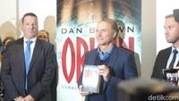 Dan Brown buka-bukaan mengenai banyak hal, termasuk novel barunya yang berjudul Origin. Foto: Ken Yunita/ detikHOT