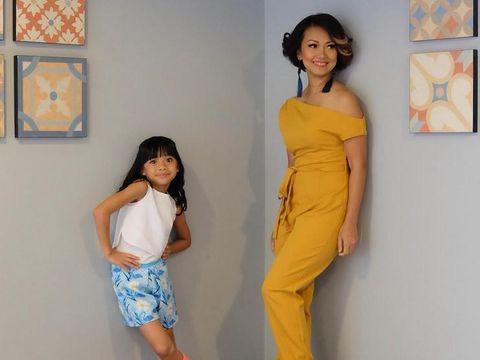 Nola dan putrinya/
