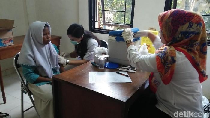 Agar efek perlindungannya bisa optimal, imunisasi MR perlu menjangkau sekitar 95 persen populasi. (Foto ilustrasi: Ahmad Bil Wahid/detikcom)