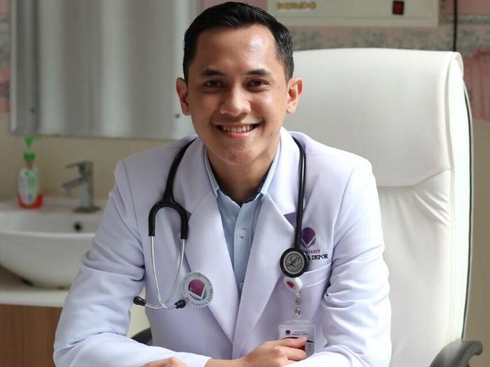 Kisah dr Kevin, jadi dokter karena keinginan sang nenek/Foto: dok. pribadi