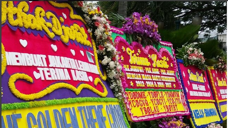 Foto: Karangan Bunga Terakhir untuk Ahok-Djarot