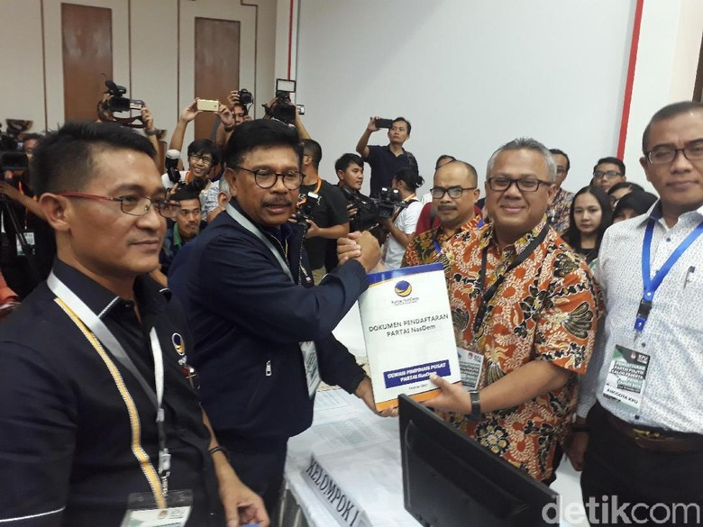 Bawa 39 Boks Dokumen, NasDem Daftar Jadi Peserta Pemilu 2019