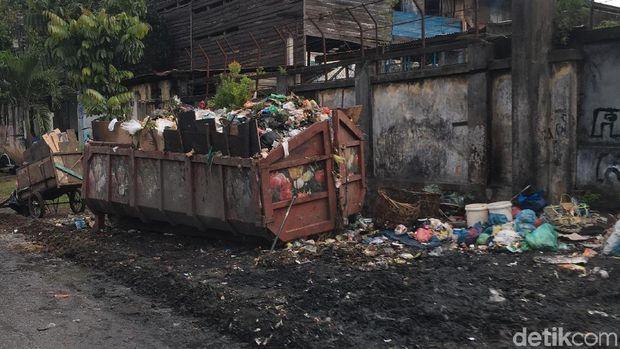 Pemandangan di jalur yang dilintasi Jokowi.