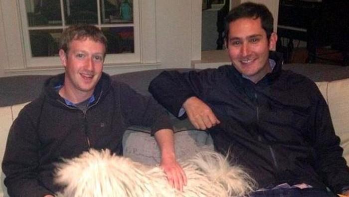 Pendiri Instagram, Kevin Systrom (kanan), bersama bos Facebook, Mark Zuckerberg. Foto: Istimewa/Facebook