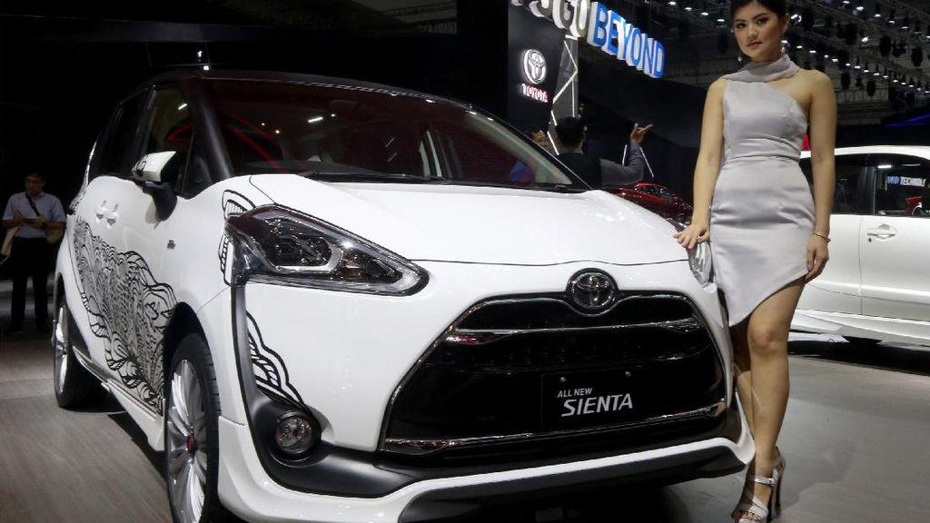 Toyota Sienta Segera Ganti Tampang