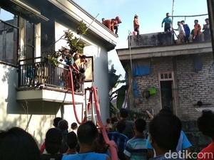 Rumah dan Gudang di Lamongan Terbakar, Kerugian Ditaksir Rp 5 M