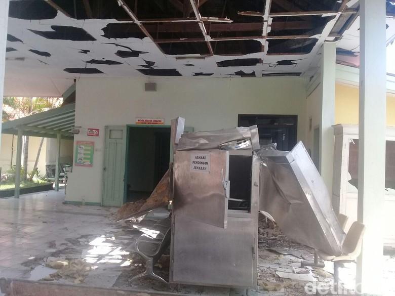 Lemari Jenazah RSUD Pati Meledak, Bangunan Porak Poranda