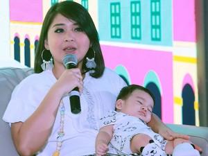 Sibuk Jadi Pengasuh Anak, Putri Titian Belum Tertarik Balik Syuting Lagi