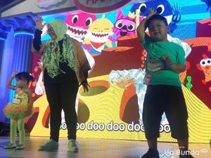 Lets Dance! Serunya Sekeluarga Kompak Joget Baby Shark