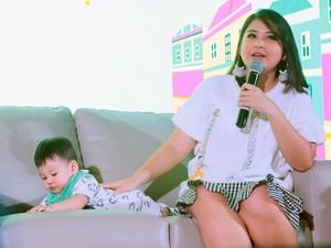 Di Festival Bunda Happy, Putri Titian Berbagai Cerita Tentang Anak