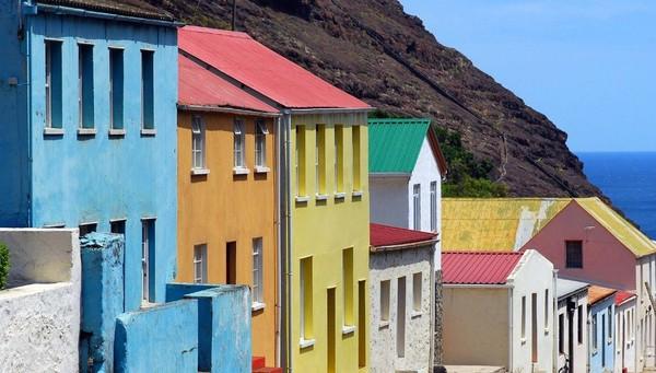 Berikut adalah bentuk rumah-rumah di Pulau St Helena (Dok. CNN Travel)
