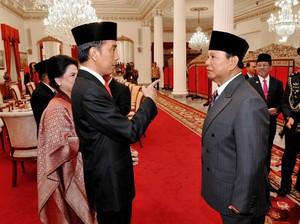 Membandingkan Jokowi Vs Prabowo di Dua Survei Berbeda