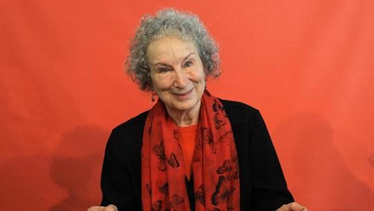 Raih Penghargaan di FBF 2017, Margaret Atwood Tersenyum Bahagia