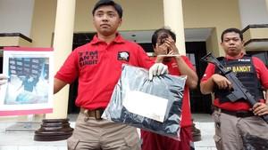 Aksinya Terekam CCTV, Pencuri Baju di Mal ini Diamankan