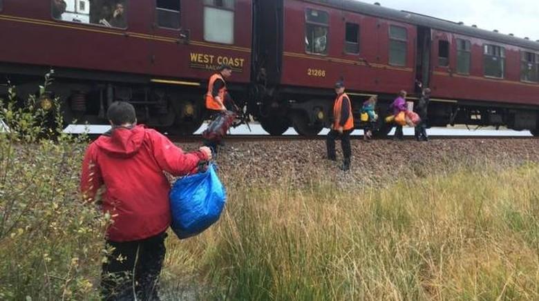 Kisah Keluarga yang Diselamatkan Kereta Harry Potter di Skotlandia
