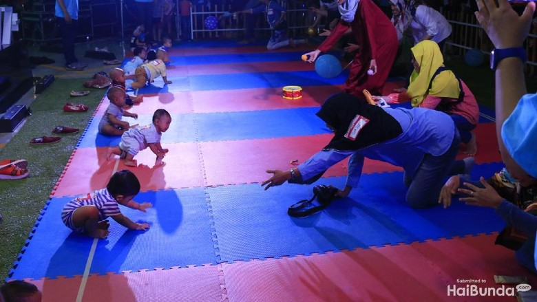 Bayi-bayi, Sudah Siap Ikut Lomba Merangkak?/ Foto: Asri Ediyati