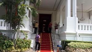 Karpet Merah Digelar di Istana Jelang Pelantikan Anies-Sandi