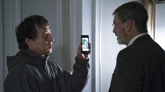The Foreigner: Jackie Chan Adu Kekuatan dengan Pierce Brosnan