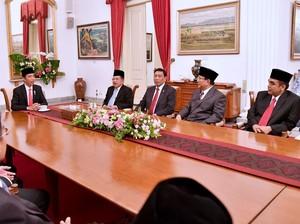 PKS Ungkap Isi Obrolan Akrab Jokowi-Prabowo di Istana
