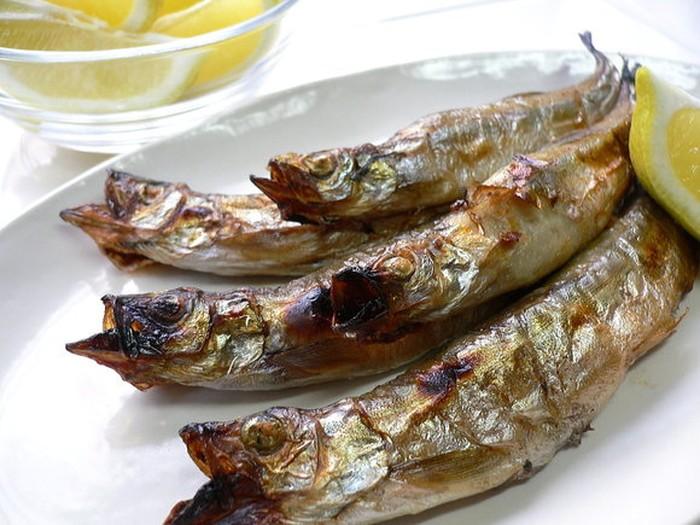 Sama-sama sumber protein yang baik, boleh pilih ikan dan susu sesuai kesukaan. Foto: Istimewa