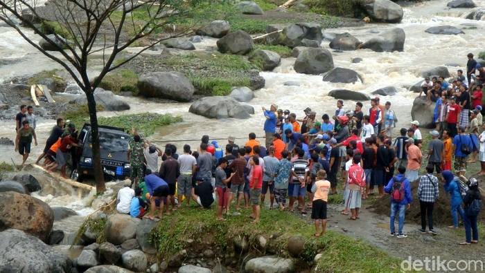 Pasca Banjir Banyumas Obyek Wisata Baturraden Aman Dikunjungi