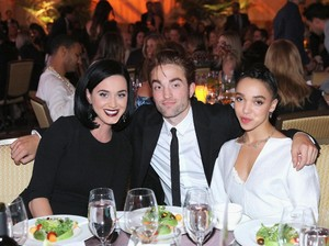 Robert Pattinson Putus dari FKA Twigs, Katy Perry Cemas